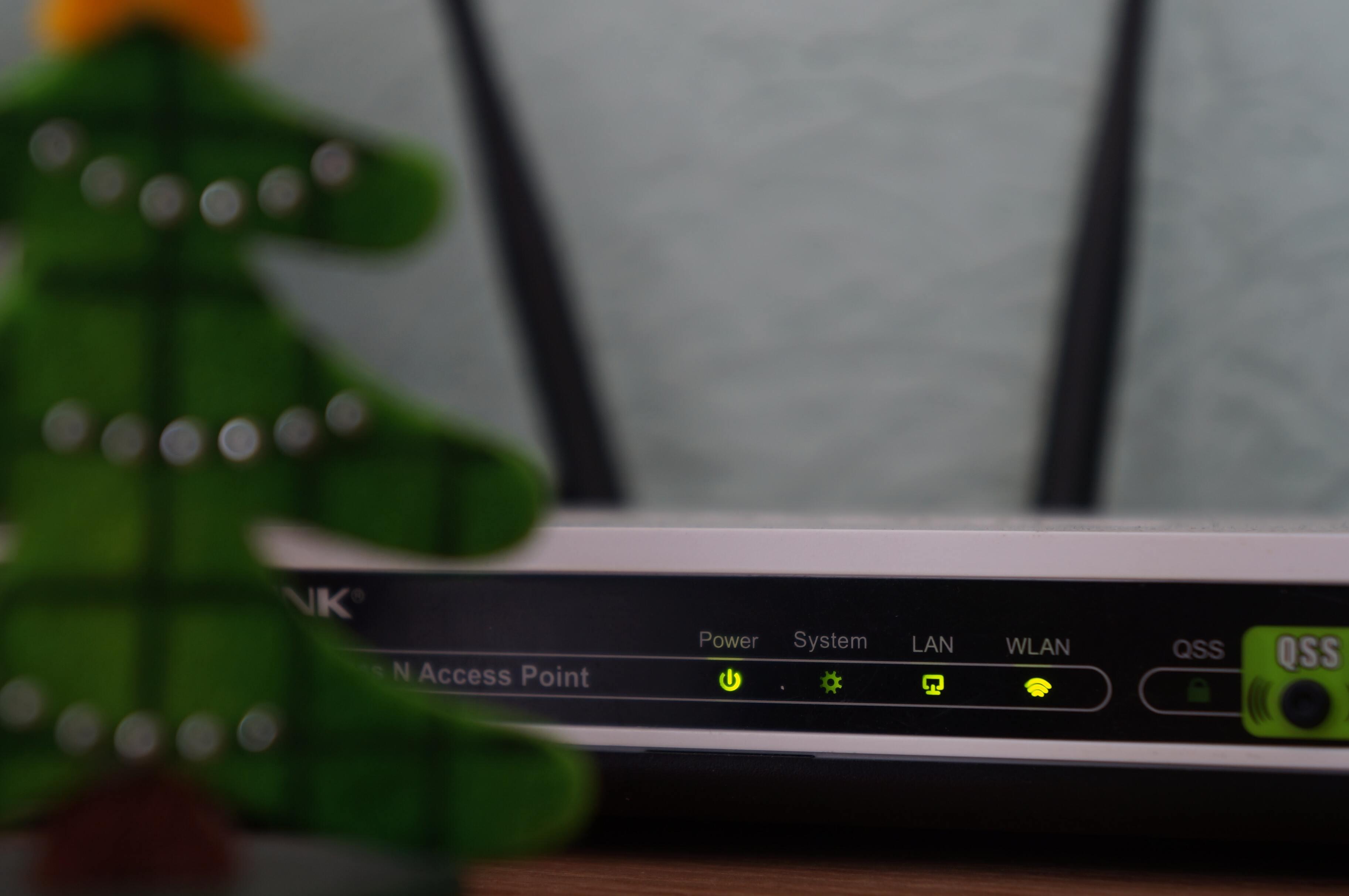 Пару обвинили в распространении детской порнографии из-за заводского пароля на маршрутизаторе
