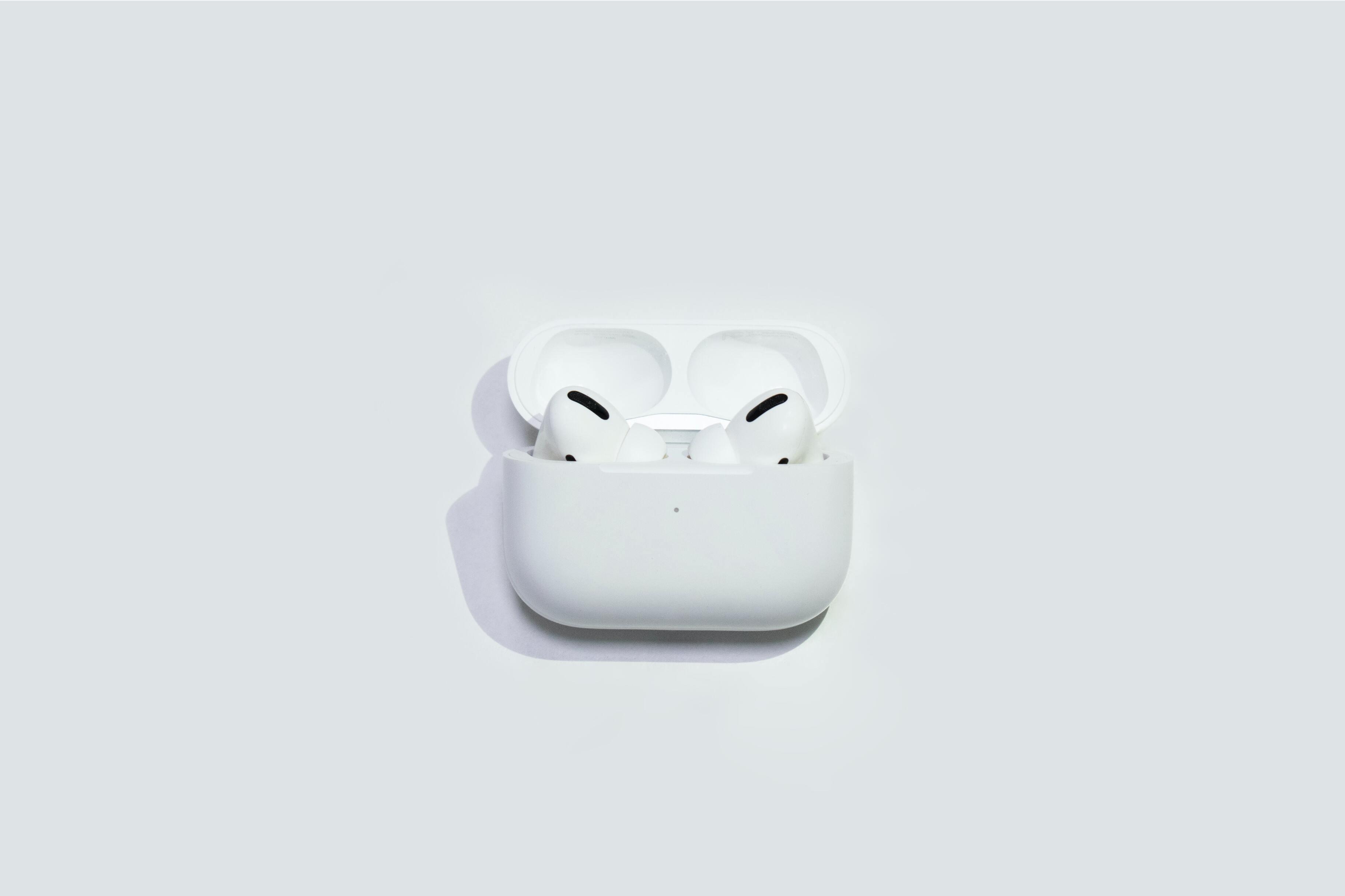 Новые беспроводные наушники Apple начнут отслеживать движения пользователей