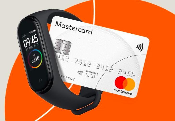 Xiaomi пообещала новые умные браслеты с оплатой по NFC в России