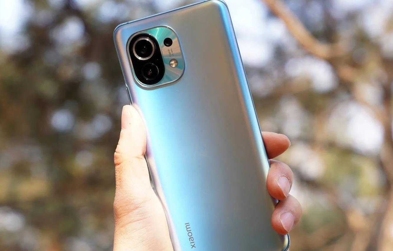 Глобальная версия Xiaomi Mi 11 продаётся почти на 4 тысячи рублей дешевле обычного