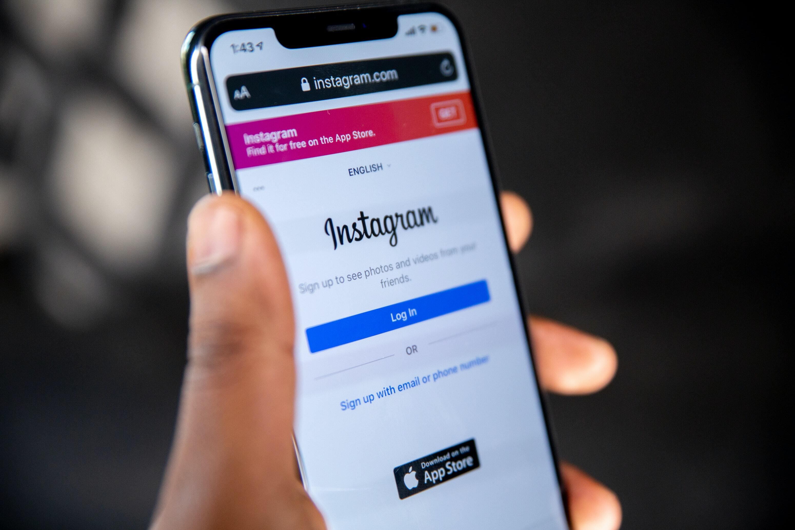 Instagram запретит взрослым писать подросткам