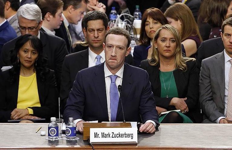 Facebook потребует оставить ей Instagram и WhatsApp через суд