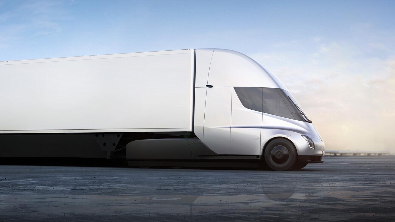 Илон Маск рассказал о новых проблемах при производстве электрогрузовика Tesla Semi