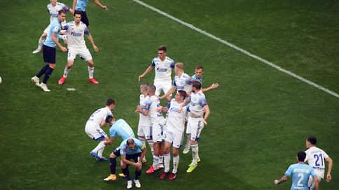 У «Оренбурга» кресла коротки // Уральский футбольный клуб никак не может вернуться в премьер-лигу