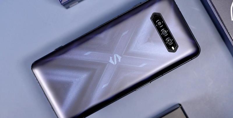 В рейтинге AnTuTu поменялись лидеры — теперь это смартфоны со Snapdragon 888