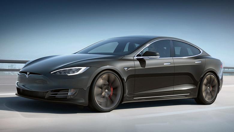 АвтоВАЗ: «Никакой конкуренции между Lada и Tesla быть не может»