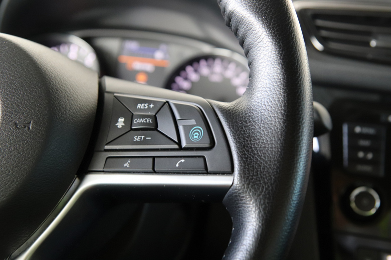 Nissan запустил в России автомобили с «автопилотом»