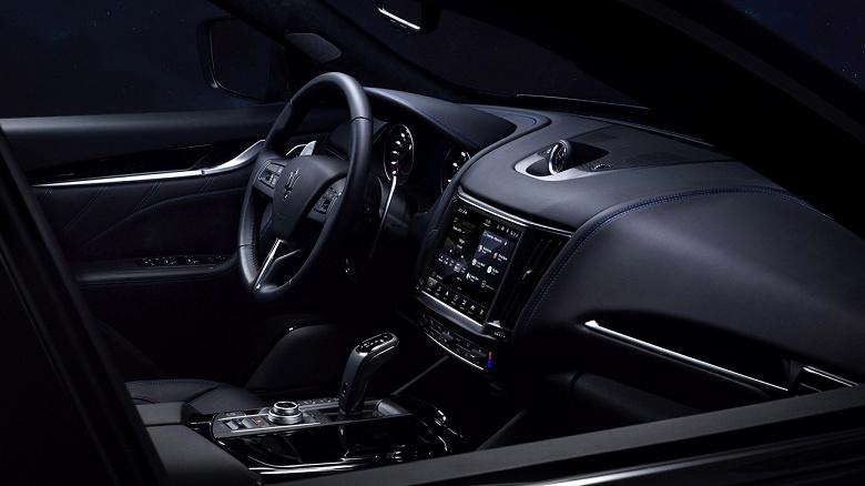 330 л.с. и разгон до 100 км/ч за 6 с. Представлен гибридный кроссовер Maserati Levante Hybrid