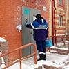 Омичей штрафуют за отказ пускать газовиков в квартиры
