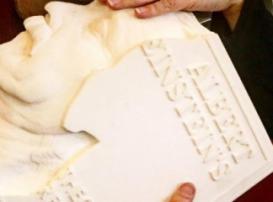Книги будущего будут 3D-печатными: на МКС создали книгу, посвящённую Альберту Эйнштейну