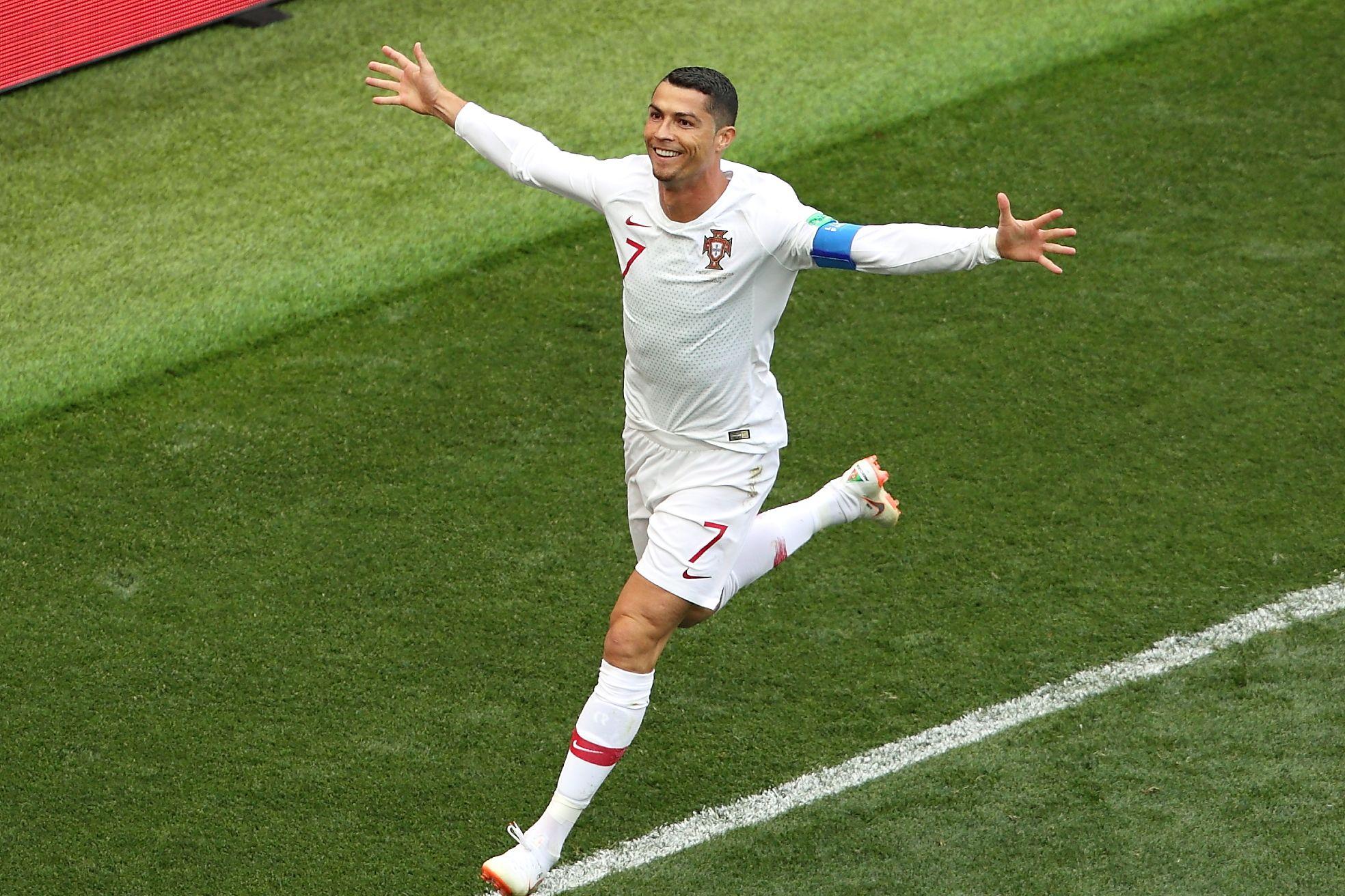 Криштиану Роналду назвал себя лучшим бомбардиром в истории футбола и обратился к Пеле