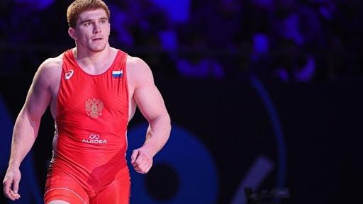 Емелин, Акиев и Евлоев стали чемпионами Европы по греко-римской борьбе