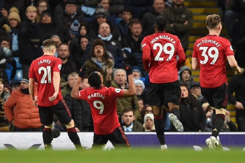 Матч 'Манчестер Юнайтед' - 'Ливерпуль' перенесли на другой день
