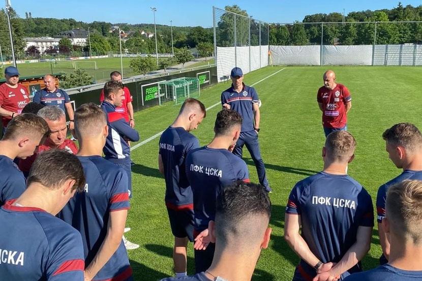 Гендиректор армейцев: 'ЦСКА не ведёт поиски нового главного тренера'
