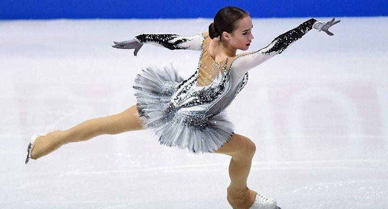 Загитова поразила болельщиков новыми снимками с фотосессии