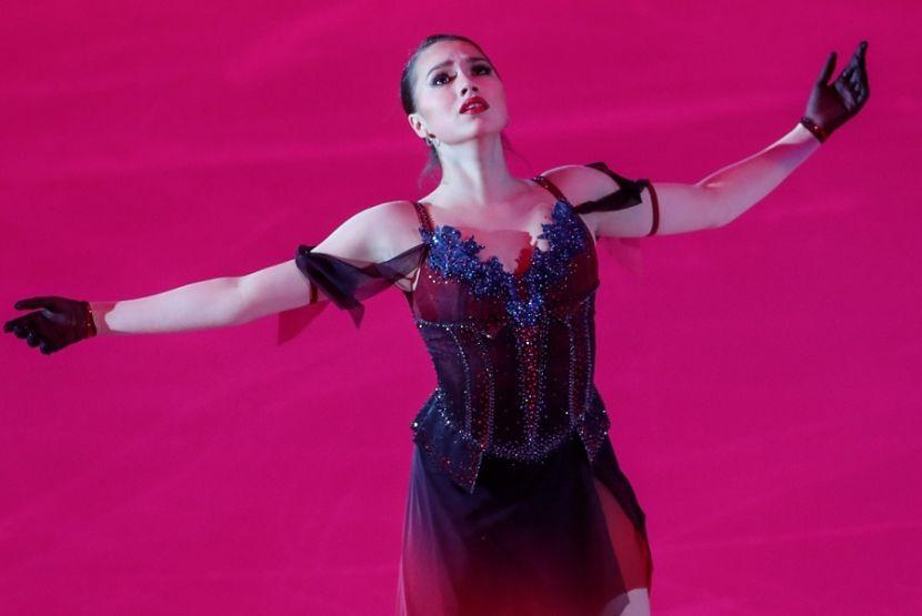Загитова показала новое платье для выступления в Японии
