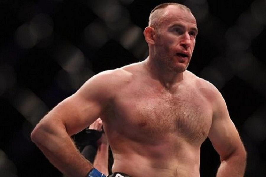 Олейник высказался об исключении из рейтинга UFC