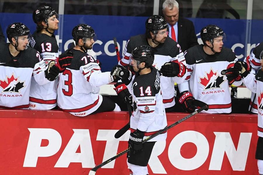 Михайлов: 'Канада в нужный момент преобразилась, но мы должны были её обыгрывать'