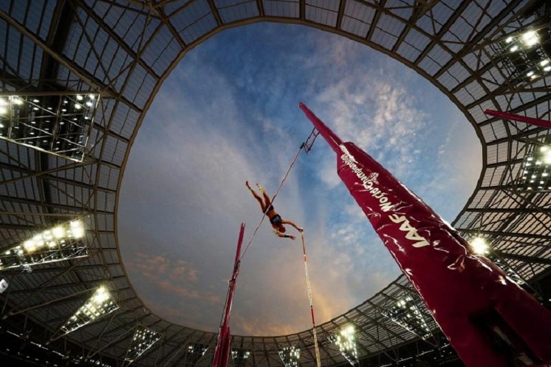 35 российских легкоатлетов получили нейтральный статус