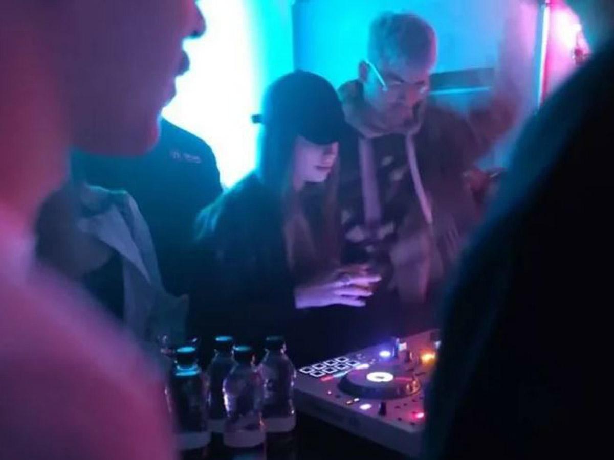 """Собчак показала видео с отдыхающей в клубе """"третьей дочерью Путина"""""""