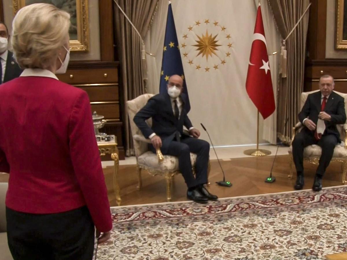 """""""Софагейт"""": на встрече лидеров Евросоюза с президентом Турции унизили главу Еврокомиссии"""