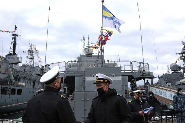 ВМС Украины провели в Черном море учения с кораблями НАТО