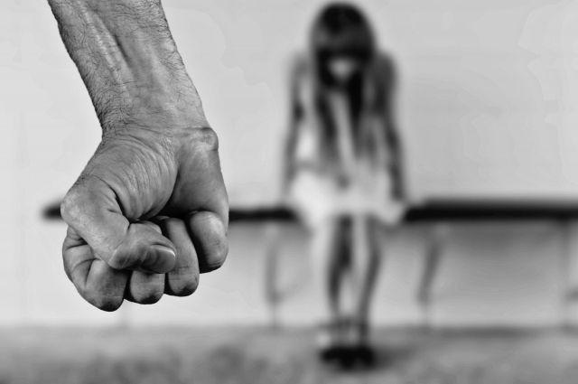 КС обязал изменить статью УК РФ для защиты жертв домашнего насилия