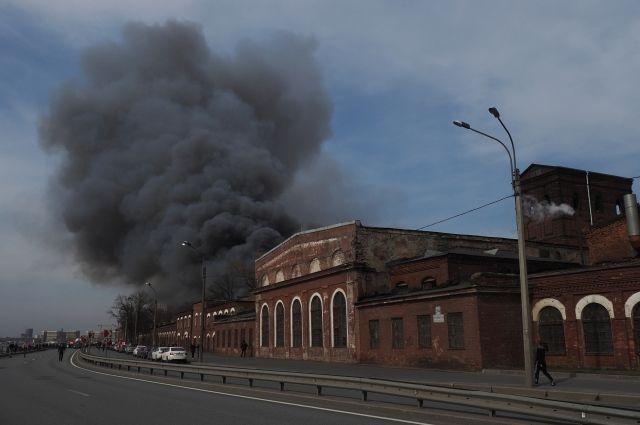 После гибели пожарного в «Невской мануфактуре» заведено уголовное дело