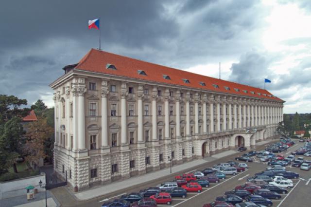 Посла РФ в Чехии вызовут в МИД республики