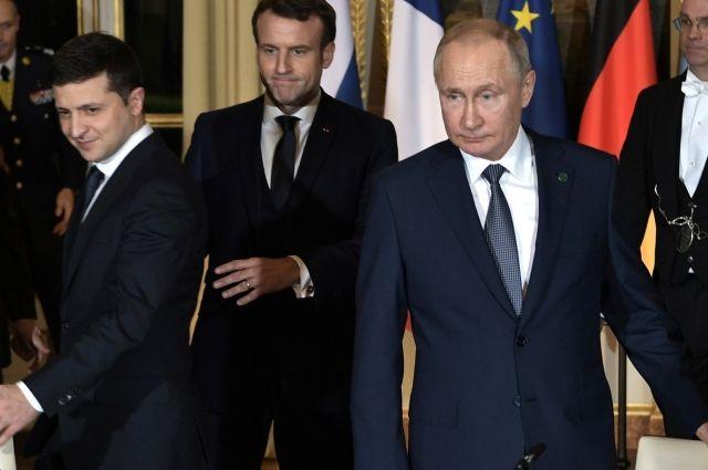 В Кремле назвали возможные темы для беседы Путина и Зеленского