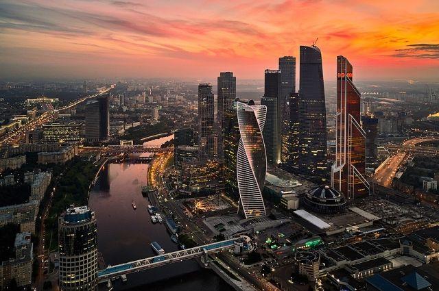 Синоптики сообщили, что в Москве ожидается гроза