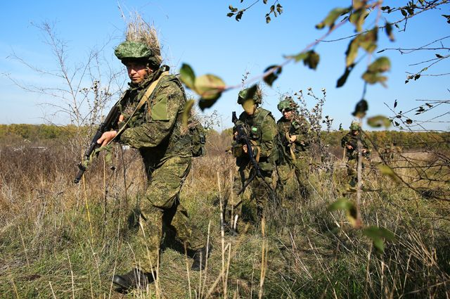 В диких условиях. Кто учит спецназ ВС РФ выживать в горах и тайге