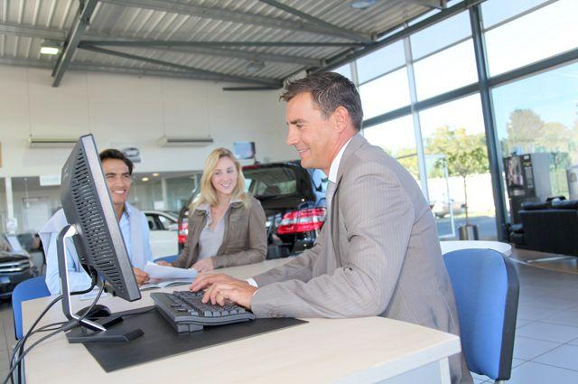 Пора менять авто. Россияне стали чаще брать кредиты для покупки машин