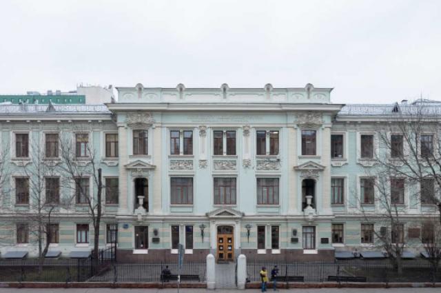 До наших дней. История госпиталя Бурденко в XX веке