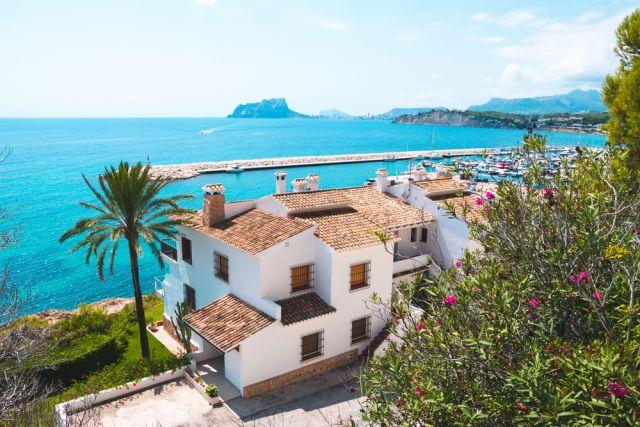 Испанский дом. Выгодно ли покупать недвижимость в этой стране?