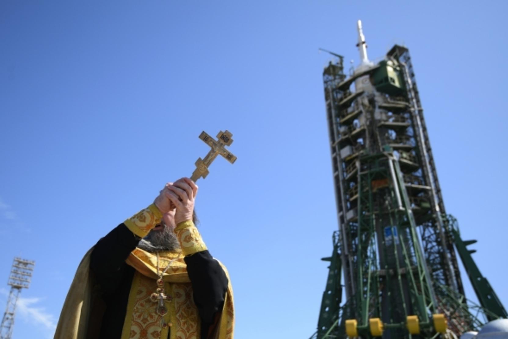 Священников призвали отказаться от публичных политических заявлений