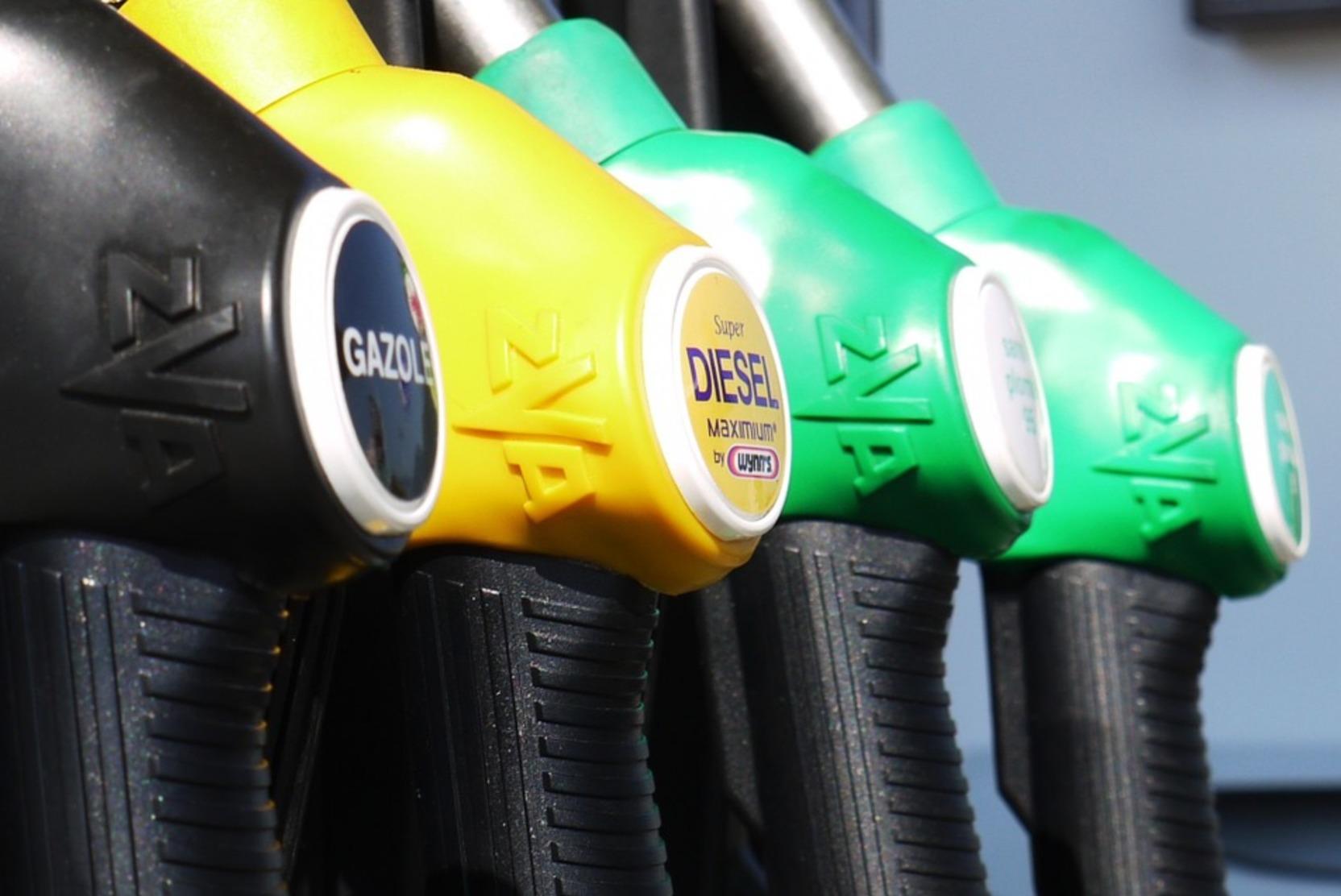 Цены на бензин в России назвали самыми низкими в мире