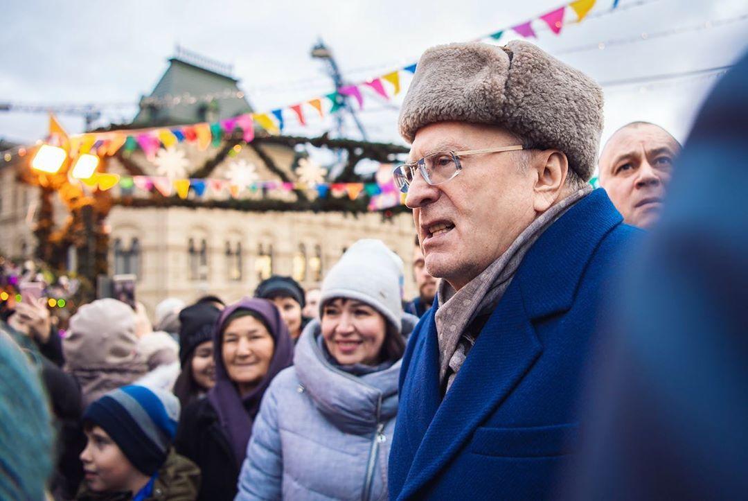 Жириновский призвал разгромить американские лаборатории