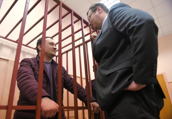 Приговор экс-полицейским, незаконно задержавшим Голунова, огласят 28 мая