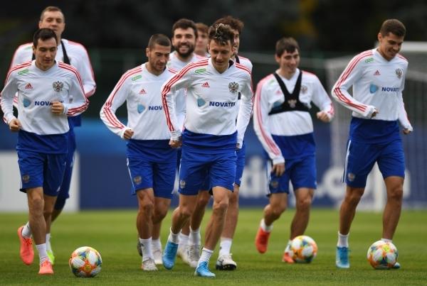 Сборная России по футболу поднялась на одну строчку в рейтинге ФИФА