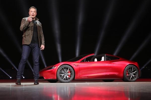 Илон Маск назначил себя «технокоролем» Tesla