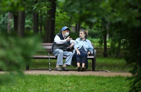 Путин заявил, что дома престарелых появятся во всех регионах России