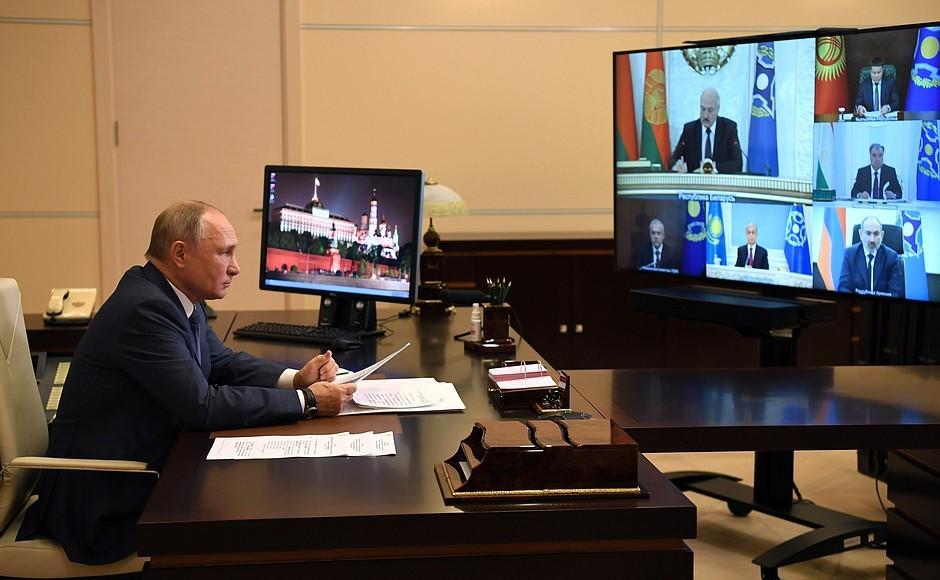 Кремль подтвердил, что Лукашенко и Путин провели телефонные переговоры