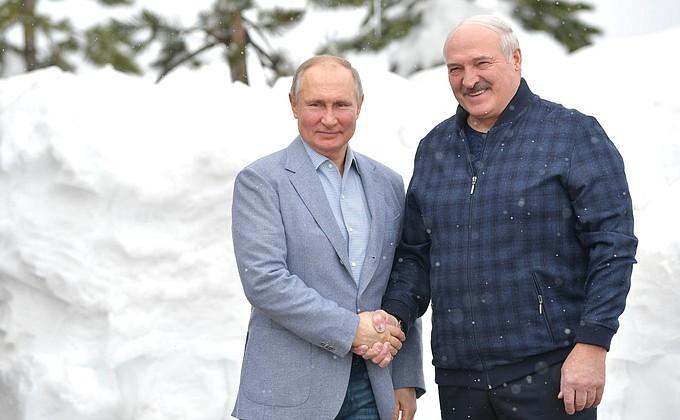 Лукашенко предложил разместить в Белоруссии российские самолеты