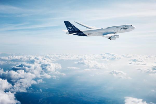 Lufthansa отменила рейсы между Россией и Франкфуртом из-за отсутствия разрешений
