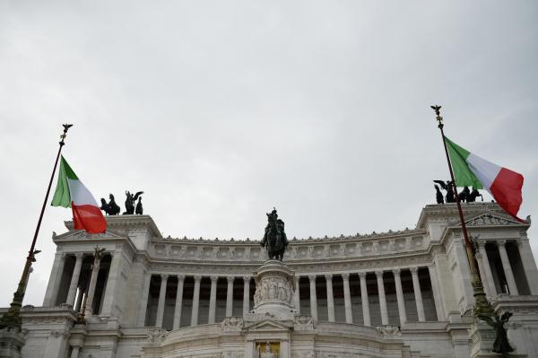 Российские ученые прибудут в Рим для работы со «Спутником V»