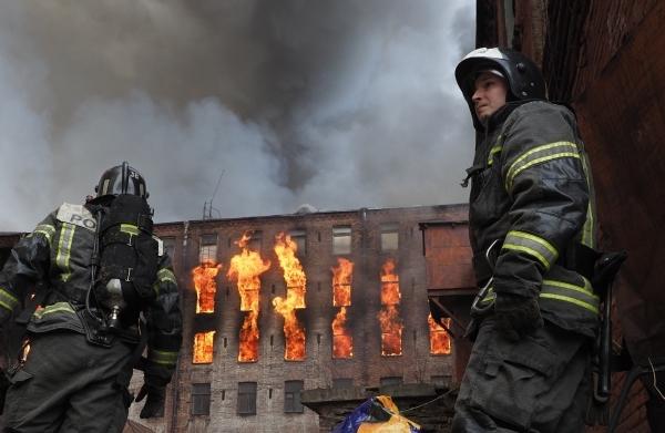 Пожар на «Невской мануфактуре» полностью потушили