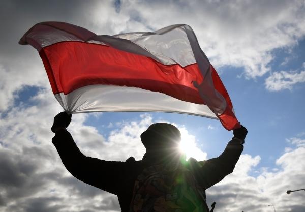 Флаг Белоруссии заменили на оппозиционный на ЧМ по хоккею