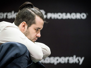 Champions Chess Tour. Непомнящий проиграл Со первый матч полуфинала
