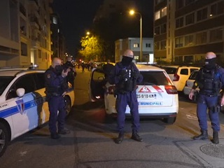Во Франции убита женщина, напавшая на полицейского с ножом